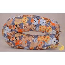 Подушка в форме бумеранга, кошки
